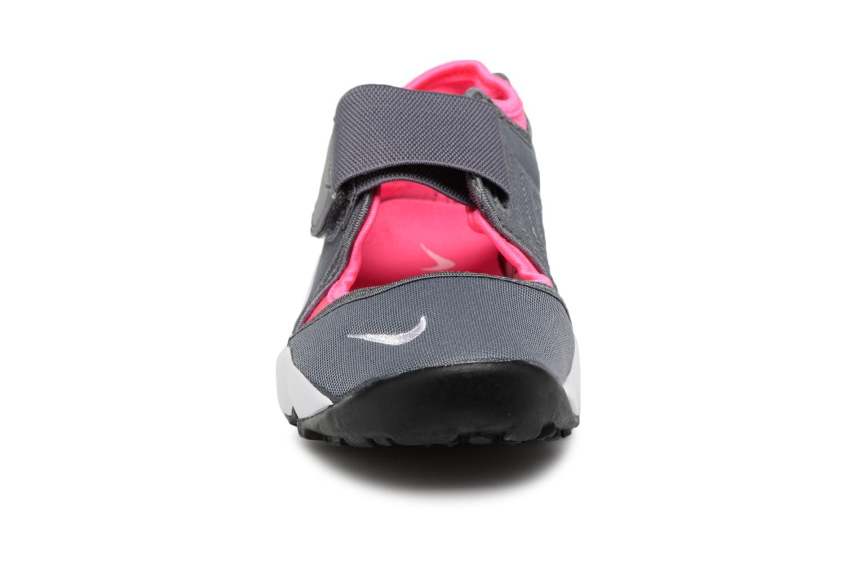 Sneaker Nike Rift (Gs/Ps Girls) grau schuhe getragen