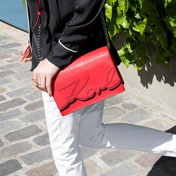Uutuuksia - Punaiset laukut
