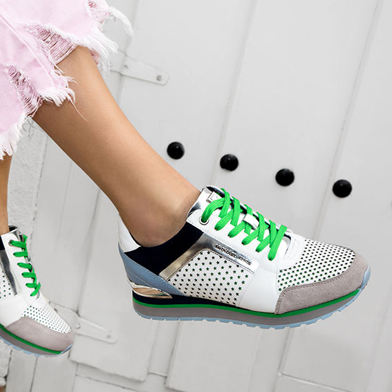 MUST HAVE - Sneakers Love